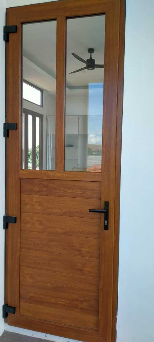 Pintu-UPVC-Golden-Oak-matang